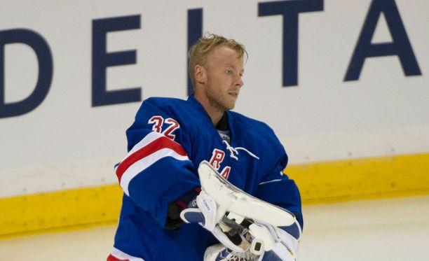 Antti Raanta hakee tällä kaudella parempia peliaikoja New York Rangersista.