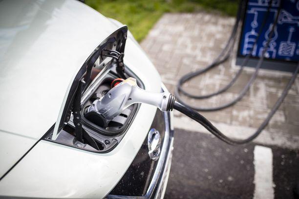 Sähkön ja lämmön tuotannon tulee olla Suomessa lähes päästötöntä 2030-luvun loppuun mennessä, linjaa Rinteen tuleva hallitus.