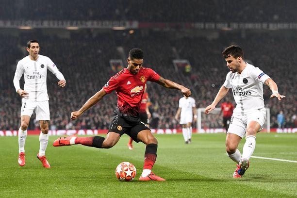 Manchester Unitedin Marcus Rashfordin olisi tällä kertaa päästävä irti Juan Bernatin vartioinnista.