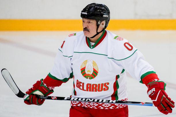 Saako diktaattorimainen presidentti Aljaksandr Lukašenka pitää MM-kisansa?
