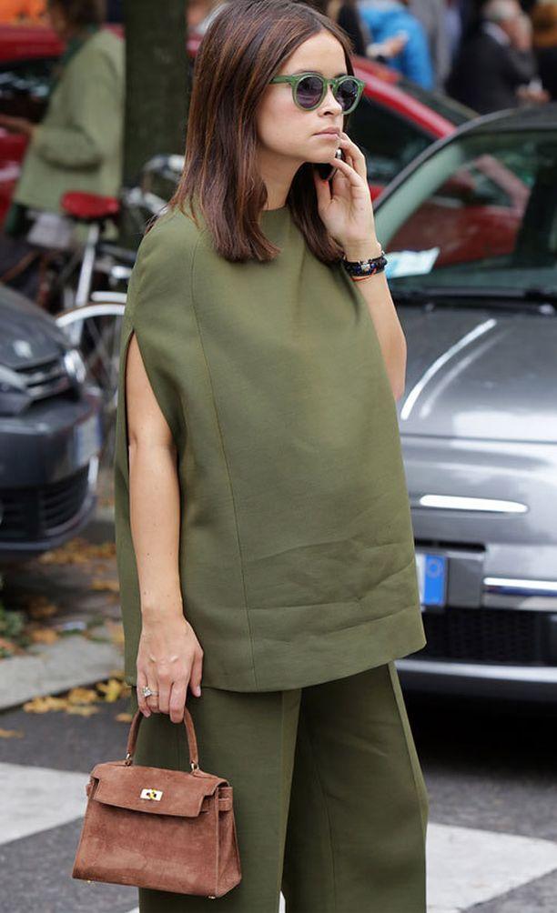 Miroslava Duma ja Hermès Suede Kelly Bag