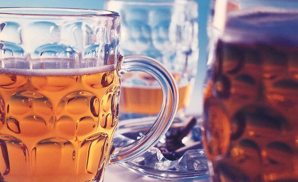 Huonekalufirma Isku-Yhtymä Oy uskoo, että samanniminen olut haittaa sen imagoa. Kuvituskuva.