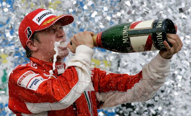 Kimi Räikkönen varmisti ikimuistoisen maailmanmestaruuden Brasilian Interlagosissa 2007.