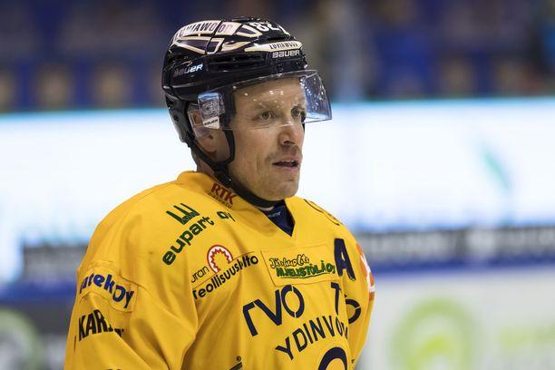 Ville Vahalahtea ei enää nähdä SM-liigassa Lukon paidassa.