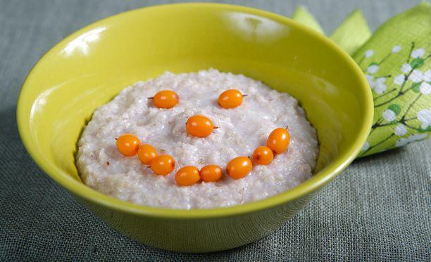 Aamupalan syömisellä mutta myös syömättä jättämisellä on positiivisia vaikutuksia.