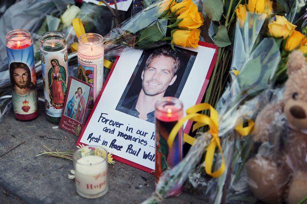 Paul Walkeria surraan ympäri maailmaa.
