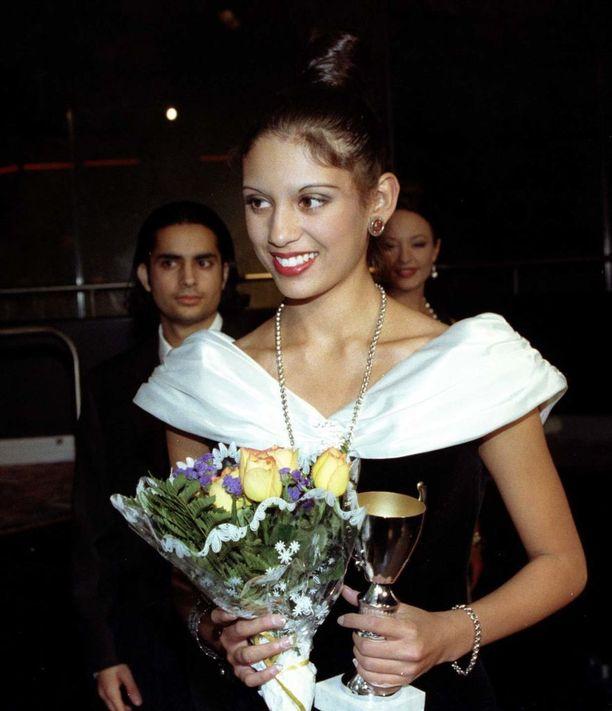 Jasmin Mäntylä vuonna 1997. Tuolloin hän tuli toiseksi Mallikuningatar-kisoissa. Mäntylä oli kisojen aikaan vain 14-vuotias.