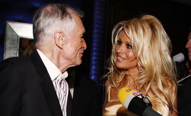 Pamela Anderson kiittää Hugh Hefneriä opeista, joita hän jakoi suojatilleen.