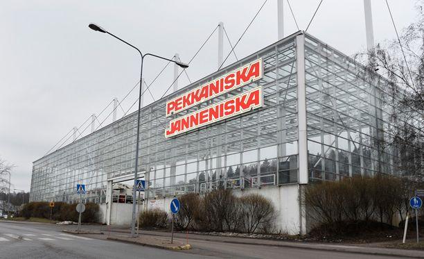 – Jannen testamentti oli hyvin looginen. Hän halusi antaa ihmisille sellaiset omistukset, että yrityksissä päätöksenteko säilyy selkeänä, kuvailee Ville Karkkolainen, yksi kuolinpesän osakkaista ja Niskan yhtiökumppaneista.