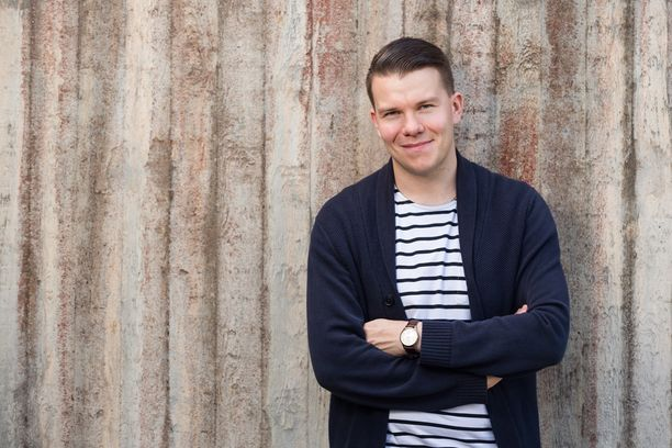 SDP:n eurovaaliehdokas ja demarinuorten puheenjohtaja Mikkel Näkkäläjärvi tuomittiin vuonna 2006 eläinsuojelurikoksesta. Näkkäläjärvi osallistui kissan tappamiseen lyömällä kissaa lapiolla.