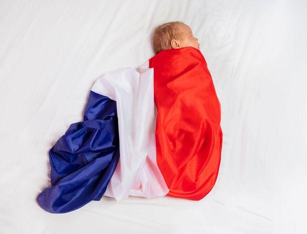 Ranskalaisvauvat ja heidän vanhempansa saavat jatkossa avokätisen lahjan valtiolta.