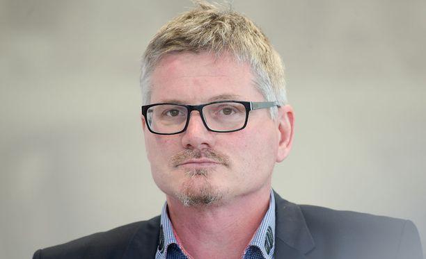 Petteri Nykky palaa miesten salibandymaajoukkueen päävalmentajaksi.