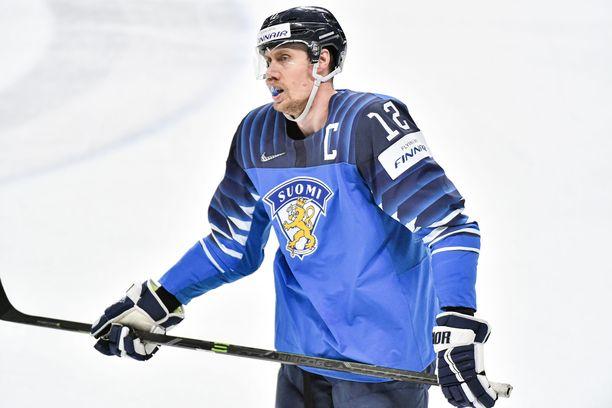 Marko Anttila johdattaa Leijonat Tshekin kaatoon.