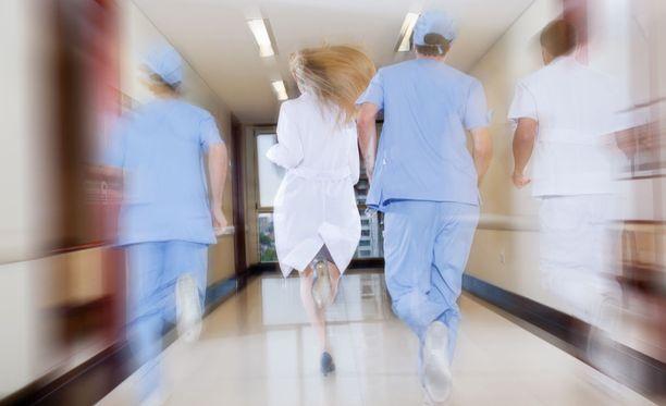 Iltalehden haastattelemat lääkärit kertovat pitävänsä terveydestään huolta esimerkiksi liikkumalla riittävästi. Kuvituskuva