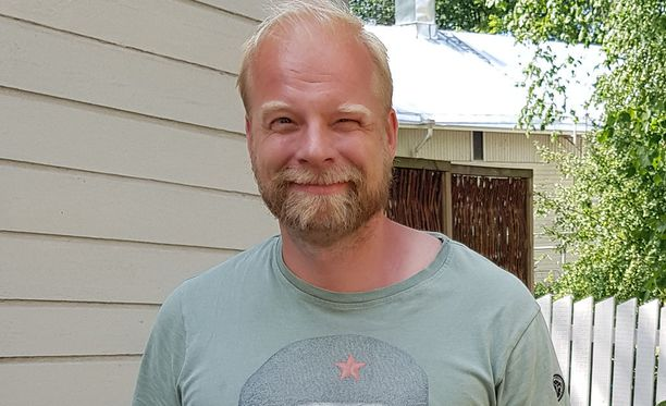 Ville Myllyrinne, 45, tunnetaan esimerkiksi sarjasta Ketonen ja Myllyrinne sekä elokuvista Unna ja Nuuk ja Luokkakokous.