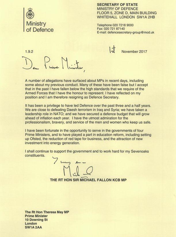 Tässä puolustusministerin erokirje pääministerille.