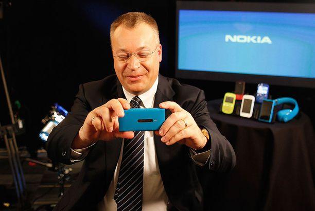 Lumia 800 -puhelimien myynti Britanniassa on lähtenyt hyvin liikkeelle.