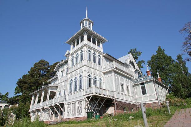 Talon on suunnitellut Theodor Höijer vuorineuvos Fredrik Idestamille.