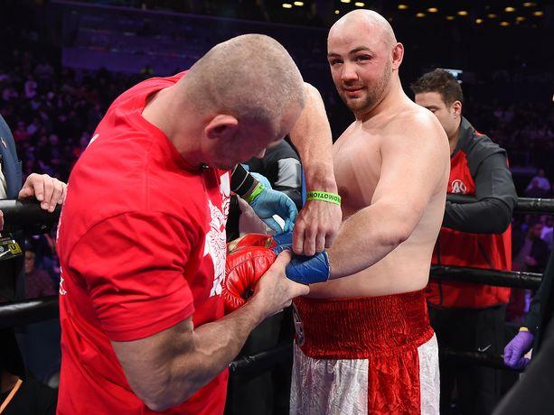 Todennäköisesti Adam Kownacki pyrkii väsyttämään Robert Heleniuksen ottelun alussa.