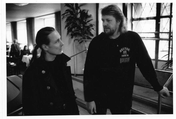 Hector oli sanoittanut Yamma yamman ja oli mukana Malmössä seuraamassa Euroviisuja. Pave Maijanen ajatteli jumbosijan olevan kohtalokas hänen uralleen.