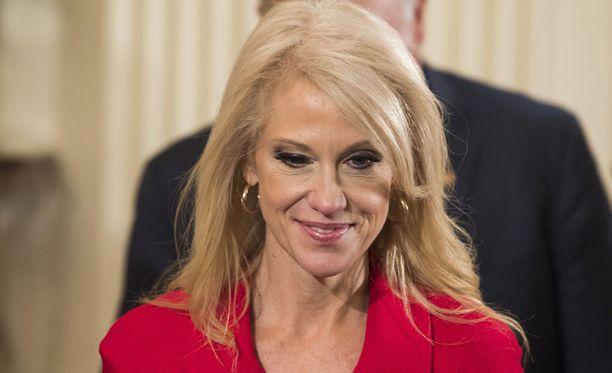 Trumpin neuvonantaja Kellyanne Conway jäi kiinni valheesta, jonka mukaan kaksi irakilaista olisi tehnyt terrori-iskun Kentuckyn osavaltion Bowling Greenissä.