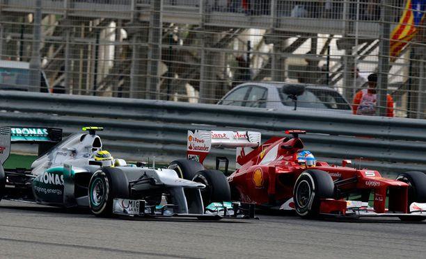 Nico Rosberg ja Fernando Alonso kamppailivat.