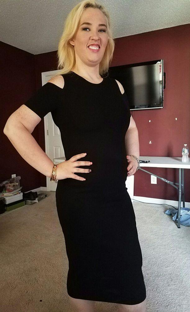 Tuore kuva paljastaa naisen hoikistumisen. Erinäisten lähteiden mukaan Mama June olisi laihtunut jopa 150 kiloa.