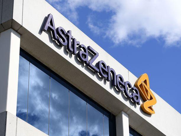 AstraZenecan sisäinen raportti paljastaa lisätietoja yhtiön koronarokotteen kliinisen tutkimuksen aikana sairastuneen koehenkilön saamista oireista.