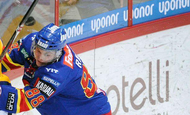 Joonas Rask kiekkoili viimeksi Suomessa Jokereiden riveissä.