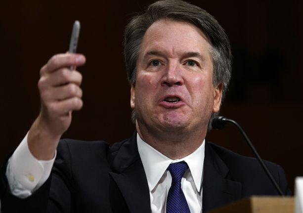 Kavanaugh vastasi viime viikolla senaatissa häirintäsyytöksiin ja oli todistuksensa aikana moneen otteeseen silmin nähden vihainen. Hänen temperamenttinsa sopivuutta korkeimman oikeuden tuomariksi on myös pohdittu julkisuudessa.