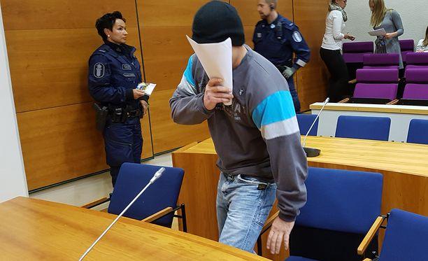 Henkirikoksen puinti Pirkanmaan käräjäoikeudessa alkoi maanantaina.