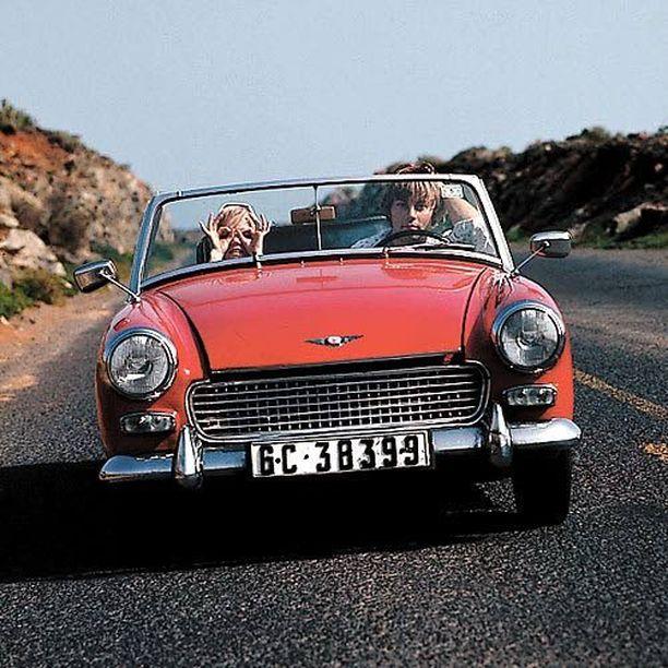 Katri Helena ja Danny olivat rakastavaisia 1967. Kanarialla kaksikko ajeli leuhkasti avoautolla.