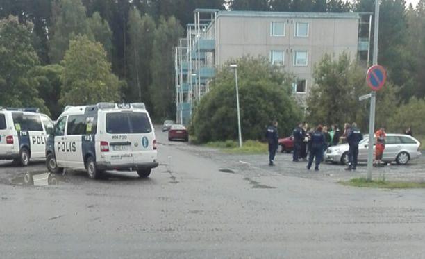 Vastaanottokeskuksen lähellä Forssassa tapahtui tiistaina joukkotappelu, jossa oli osallisina kymmeniä kantasuomalaisia sekä vastaanottokeskuksen asukkaita.