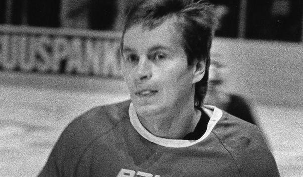 Matti Hagman raivasi tiensä NHL-kaukaloihin. Kuva vuodelta 1982.