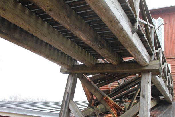 Tältä romahtanut silta näytti alhaalta katsottuna.
