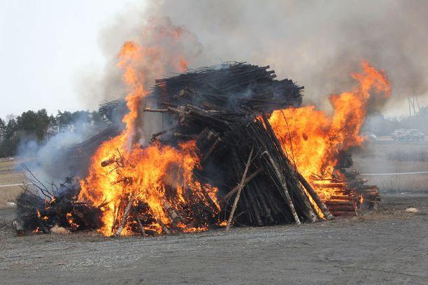 Kokossa paloi puuta 42 kiintokuutiota.