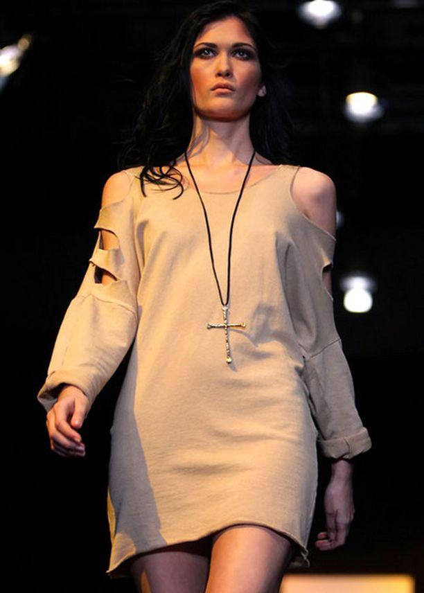 Erin Wasson esitteli Moskovan muotiviikolla lyhyttä ja leikattua tyyliä joka on villinnyt myös suomalaisia muotibloggareita jo pitkään.