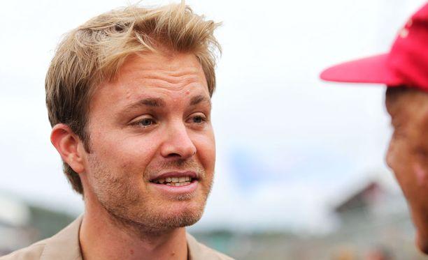 Nico Rosberg manageroi nyt Robert Kubicaa.