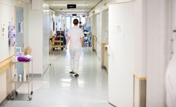 Etenkin nuoret sairaanhoitajat vaihtavat herkästi alaa.