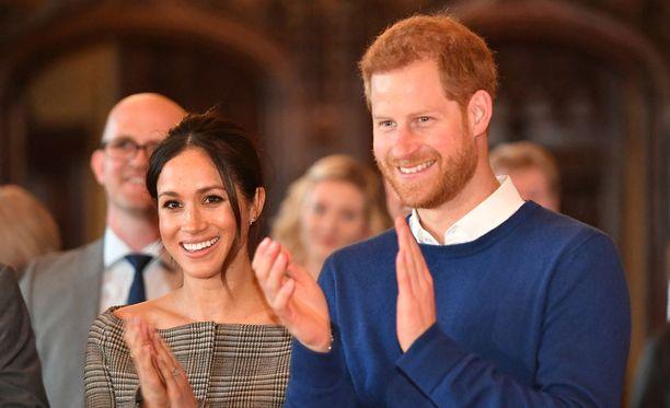 Meghan Markle kastetaan ennen häitä prinssi Harryn kanssa.