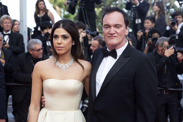 Quentin Tarantino vaimonsa Daniella Pickin kanssa Cannesissa toukokuussa.
