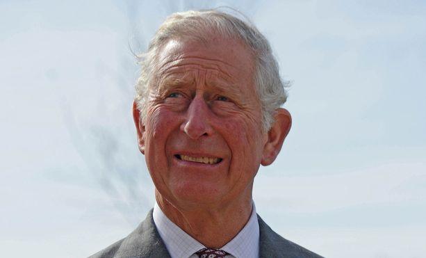 Prinssi Charlesista kirjoitettu kirja paljastaa lukuisia yksityiskohtia prinssin elämästä.