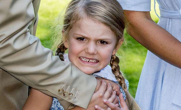 Viisivuotias Estelle ilahduttaa usein valokuvaajia.