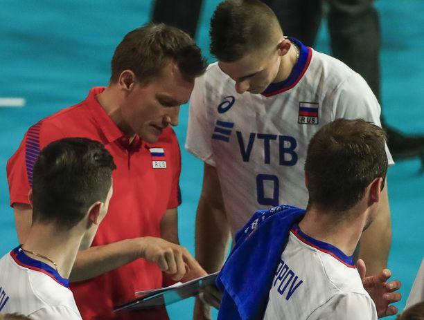 Tuomas Sammelvuo luotsasi Venäjän lentopallomaajoukkueen karsinnoista vakuuttavasti Tokion olympiakisoihin.