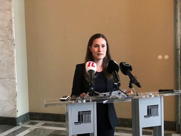 Liikenne- ja viestintäministeri Sanna Marinin mukaan seuraavaksi lakia pyritään muuttamaan sellaiseksi, että se voidaan tuoda voimaan ensi vuonna. Takeita muutosten onnistumisesta ei ole.