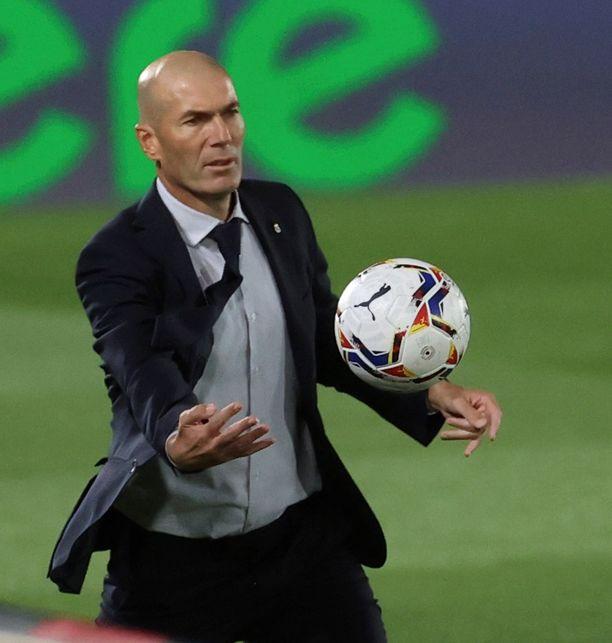Zinedine Zidane yrittää taikoa joukkueeseensa lisää puhtia.