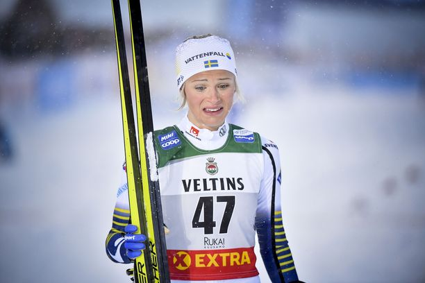 Frida Karlsson hätkähdytti hiihtopiirejä loppuvuodesta 2019, kun hän osallistui Rukan maailmancupiin kuihtuneen oloisena.
