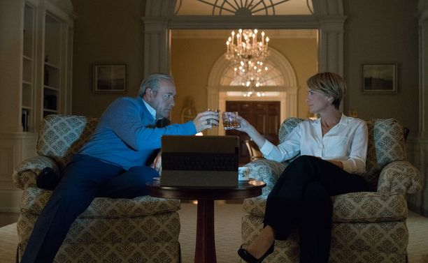 Kevin Spacey on yhä Frank ja Robin Wright Claire.