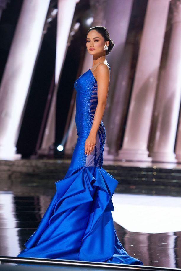 Wurtzbachin sininen mekko oli erittäin tyylikkään näköinen.