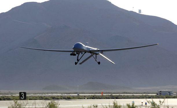 Lennokki-iskuja ohjataan kauko-ohjaimella.